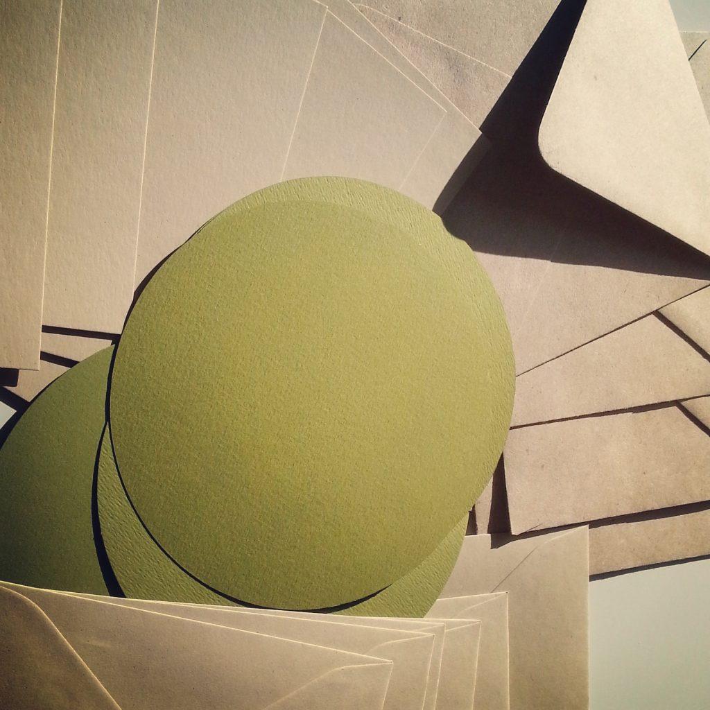 carta kraft e verde